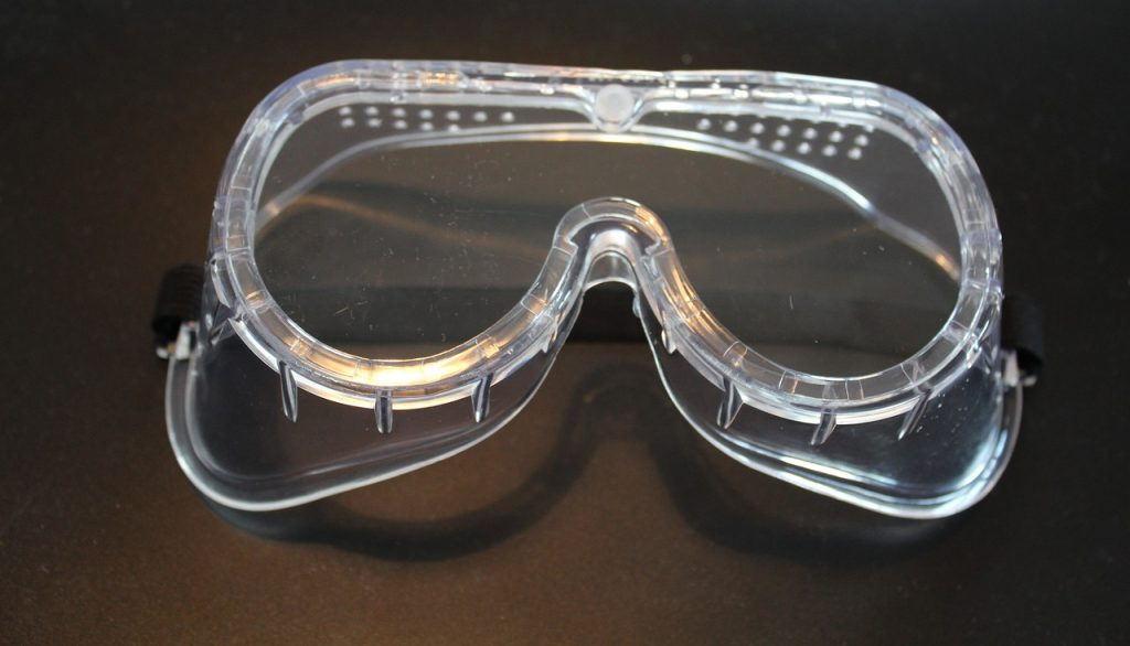 safety goggles prevent workplace eye injuries